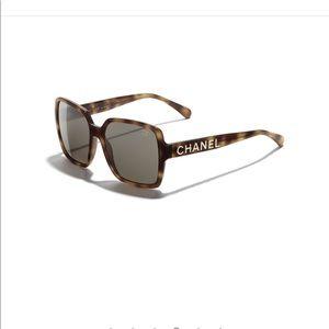 $535. Chanel 2019-20 Polarized Tort. W/ Gold NEW!